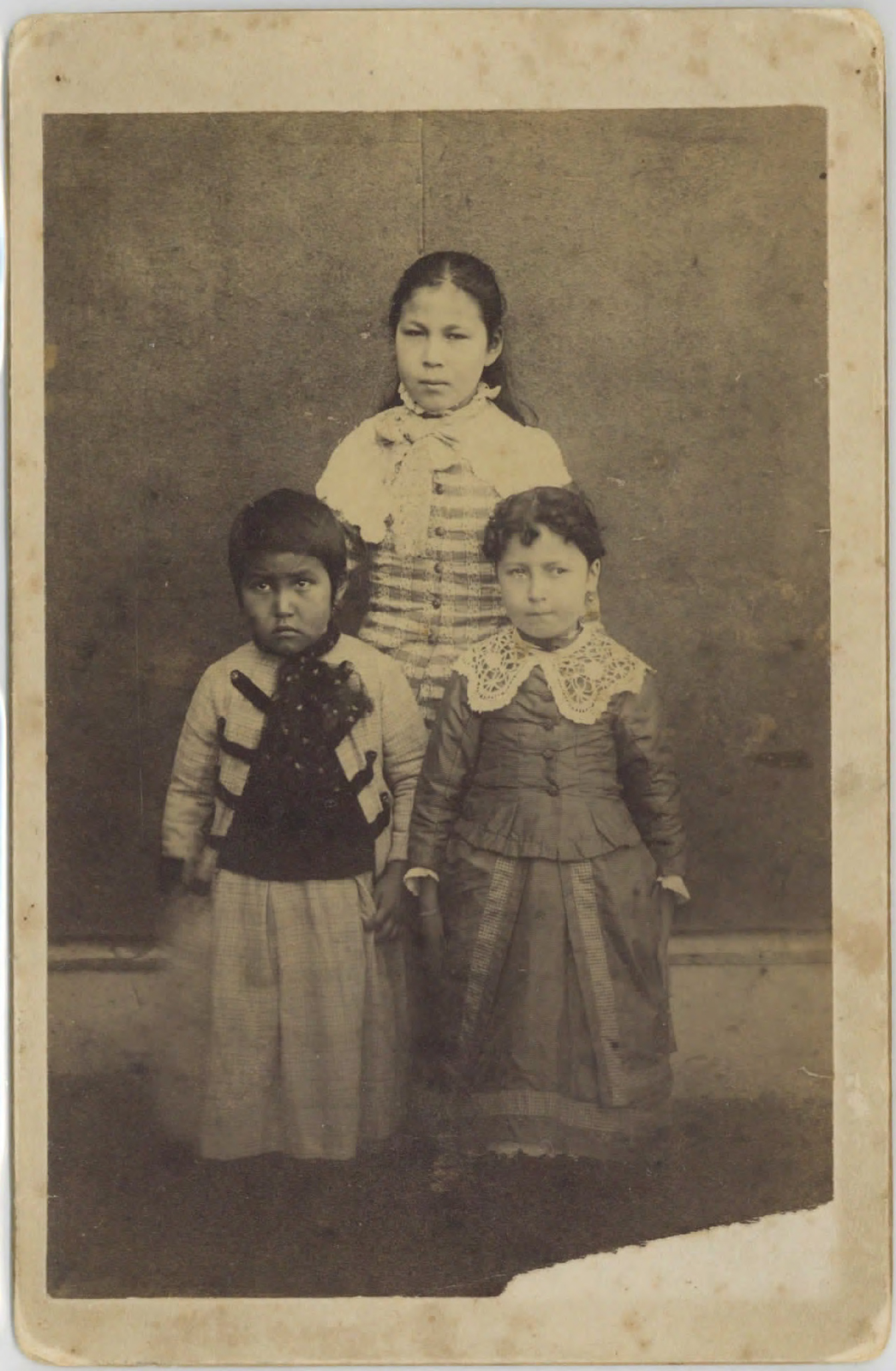 Loud 17, Three young girls, St. Paul Island. Photograph by Gray & Hereford