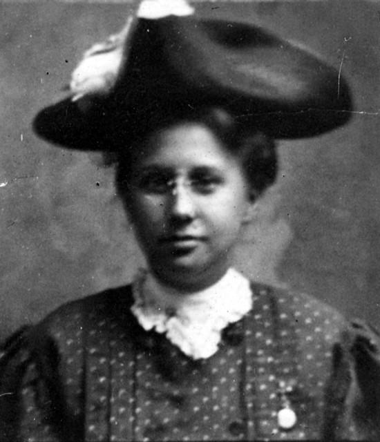 Portrait of Bess Wallace