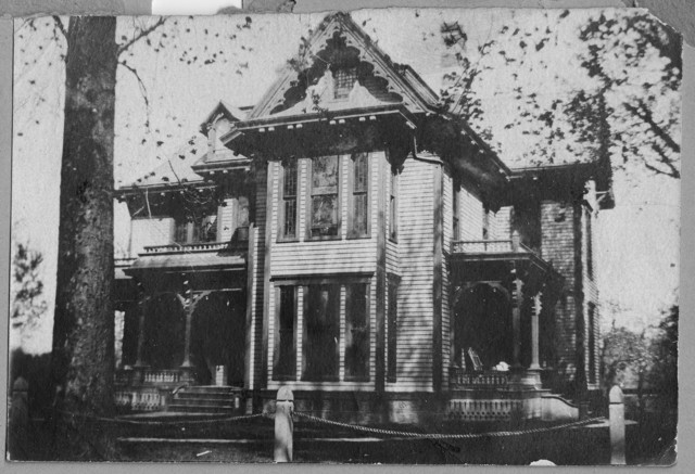 Photograph of Gates-Wallace Home