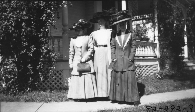 Photograph of Bess Wallace with Two Unidentified Ladies
