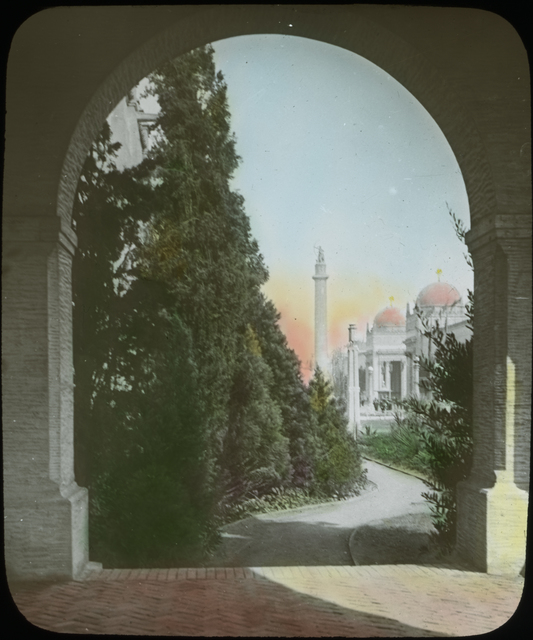 Photograph of the Column of Progress from the California Building at thePanama-Pacific International Exposition