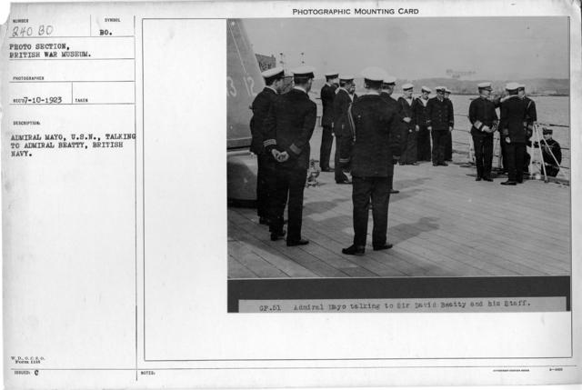 Admiral Mayo, U.S.N., talking to Admiral Beatty, British Navy