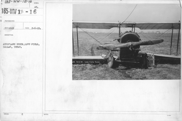 Airplanes - Accidents - Aeroplane wreck, Love Field, Dallas, Texas