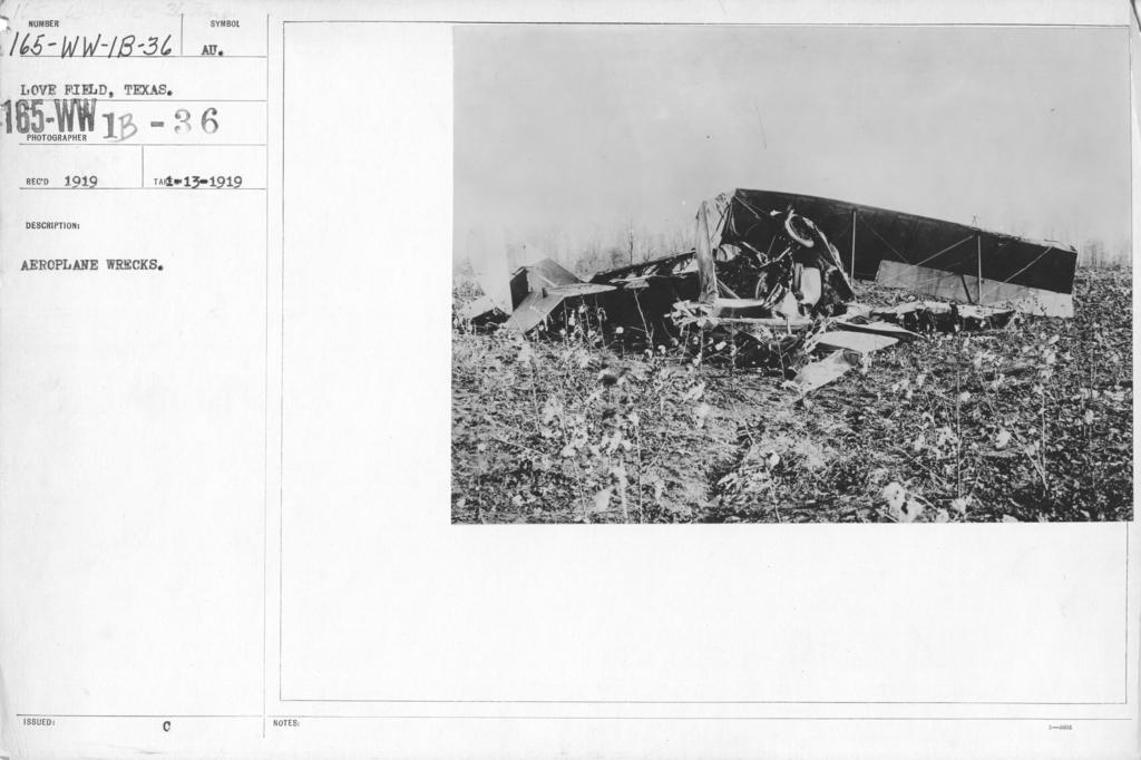 Airplanes - Accidents - Aeroplane wrecks. Love Field, Texas