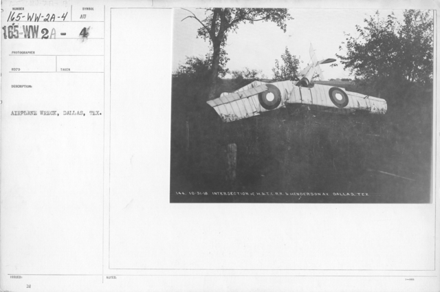 Airplanes - Accidents - Airplane wreck, Dallas, Texas