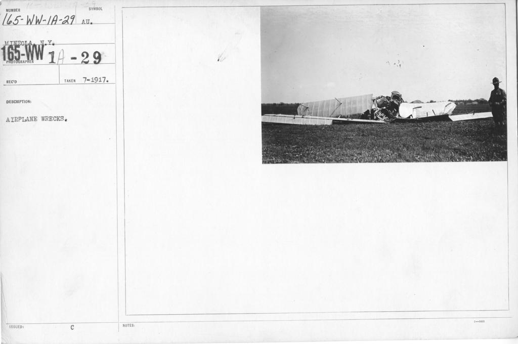 Airplanes - Accidents - Airplane Wrecks. Mineola, N.Y