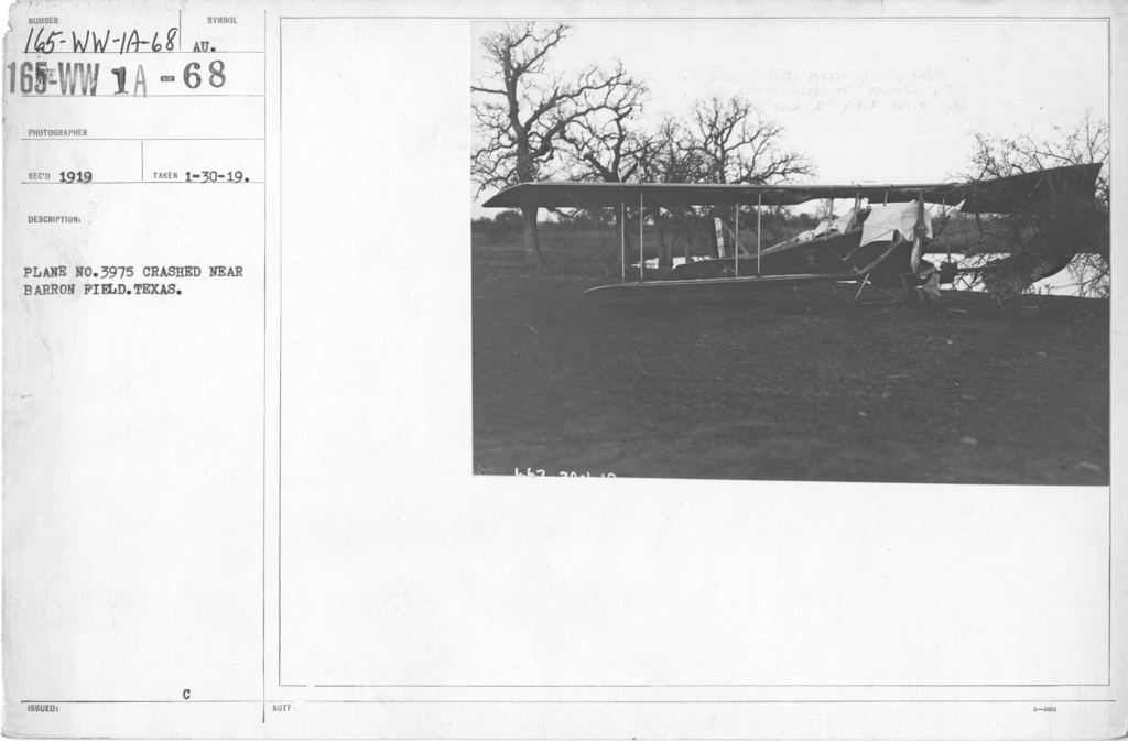Airplanes - Accidents - Plane No. 3975 crashed near Barron Field, Texas