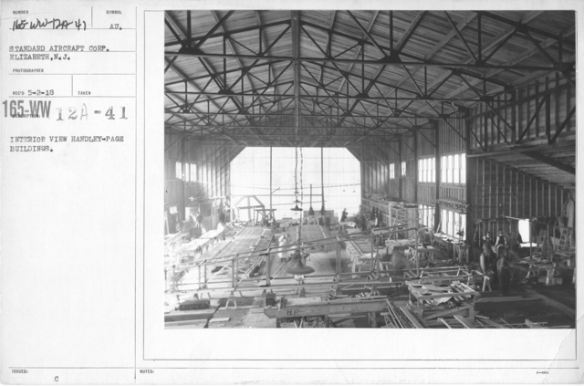Airplanes - Manufacturing Plants - Interior view Handley-Page Buildings