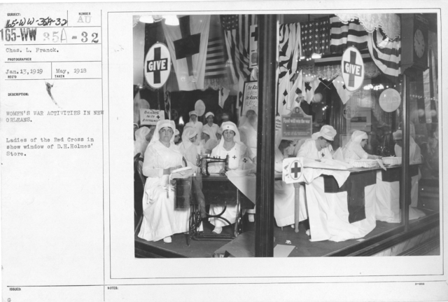 American Red Cross - Classes in Red Cross Work - Women's war activities in New Orleans. Ladies of the Red Cross in show window of D.H. Holmes' Store