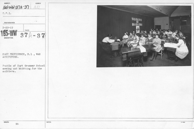American Red Cross - Junior Red Cross - East Providence, R.I., War Activities. Pupils of Hoyt Grammar School sewing and knitting for the soldiers