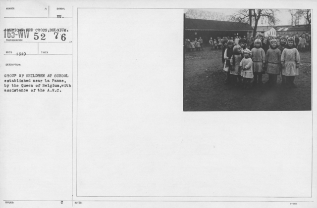 American Red Cross - Miscellaneous - Group of children at school established near La Panne, by the Queen of Belgium, with assistance of the A.R.C