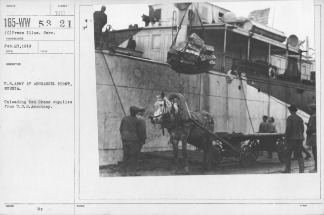 American Red Cross - Miscellaneous - U.S. Army at Archangel Front, Russia. Unloading Red Cross supplies from U.S.S. Ascutney