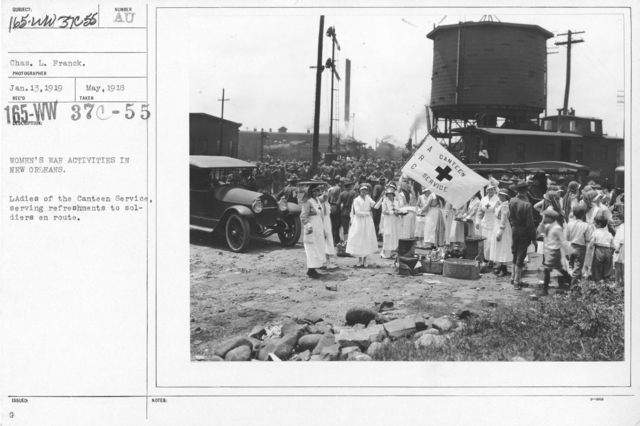 American Red Cross - Refreshments - Women's war activities in New Orleans. Ladies of the Canteen Service, serving refreshments to soldiers en route