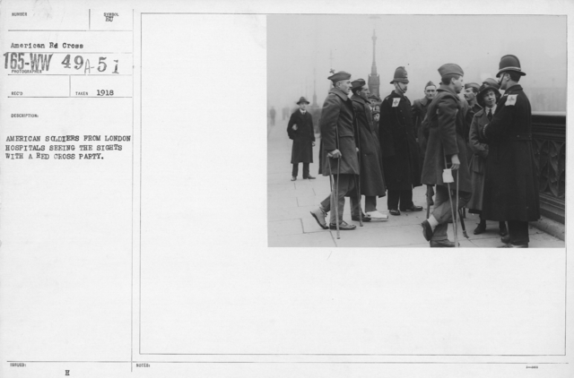 American Red Cross - Rehabilitation - American soldiers from London Hospital seeing the sights with a Red Cross Party