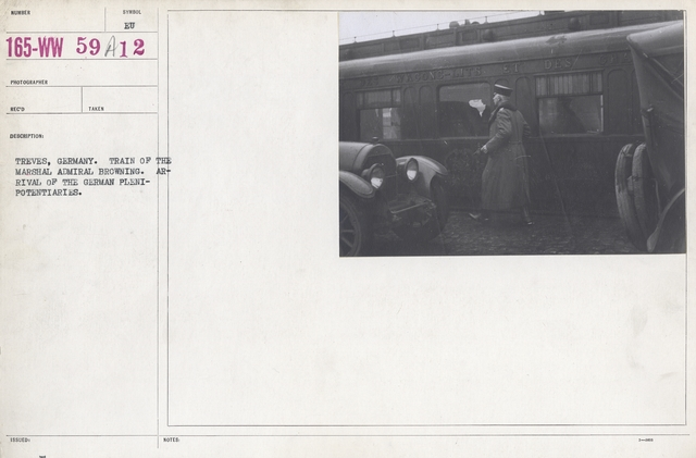 Armistice - Armistice - Treves, Germany. Train of the Marshal Admiral Browning. Arrival of the German Plenipotentiaries