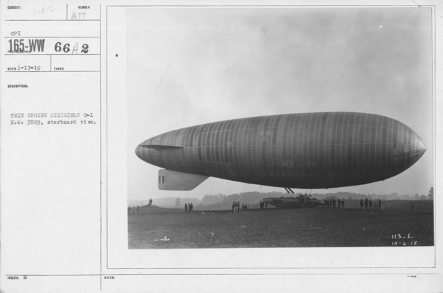 Balloons - C - Twin Engine Dirigible C-1 N.O. 3509, starboard view