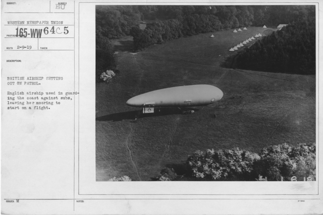 Balloons - In the Theatre of Operations - British Airship setting out on patrol. English airship used in guarding the coast against subs, leaving her mooring to start on a flight
