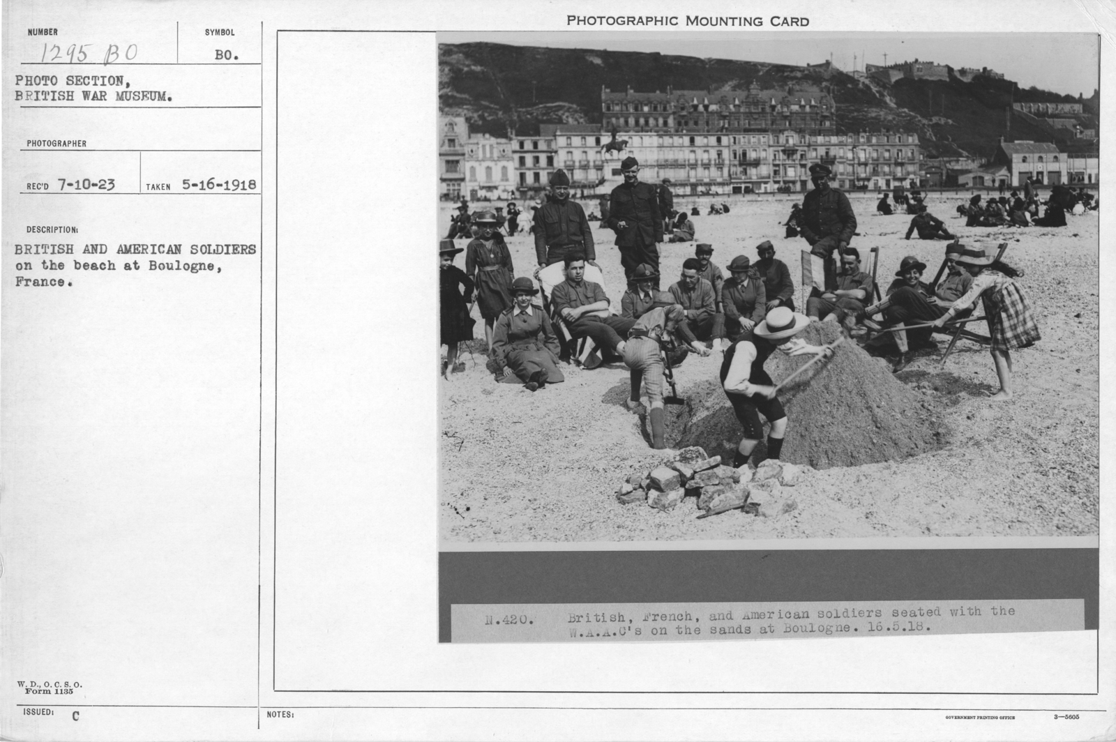 British and American soldiers on the beach at Boulogne, France. 5-16-1918