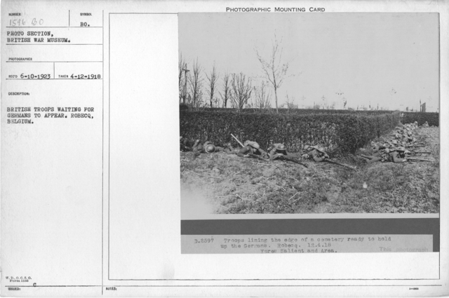 British troops waiting for Germans to appear. Robecq, Belgium. 4-12-1918