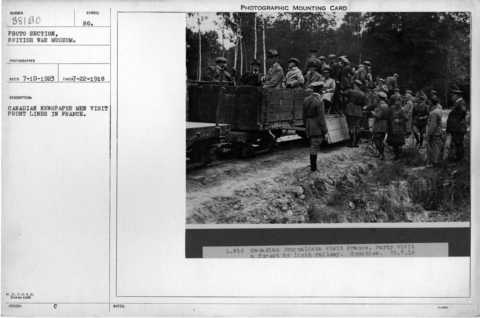 Canadian newspaper men visit front lines in France; 7/2/1918