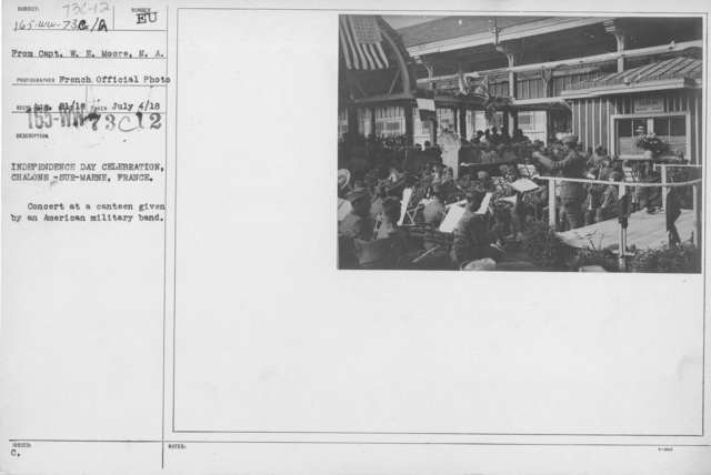 Ceremonies - American Independence Day, 1918 - France - Independence Day celebration, Chalons-Sur-Marne, France. Concert at a canteen given by an American military band