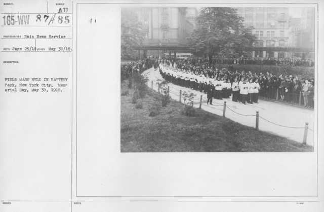 Ceremonies and Parades - Field Mass held in Battery Park, New York City, Memorial Day, May 30, 1918