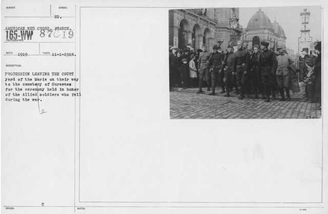 Ceremonies and Parades - Procession leaving the courtyard of the Marie on their way to the cemetery of Suresnes for the ceremony held in honor of the Allied soldiers who fell during the war