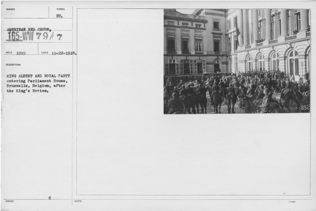Ceremonies - Belgium - King Albert and Royal Party entering Parliament House, Brussells, Belgium, after the King's Review