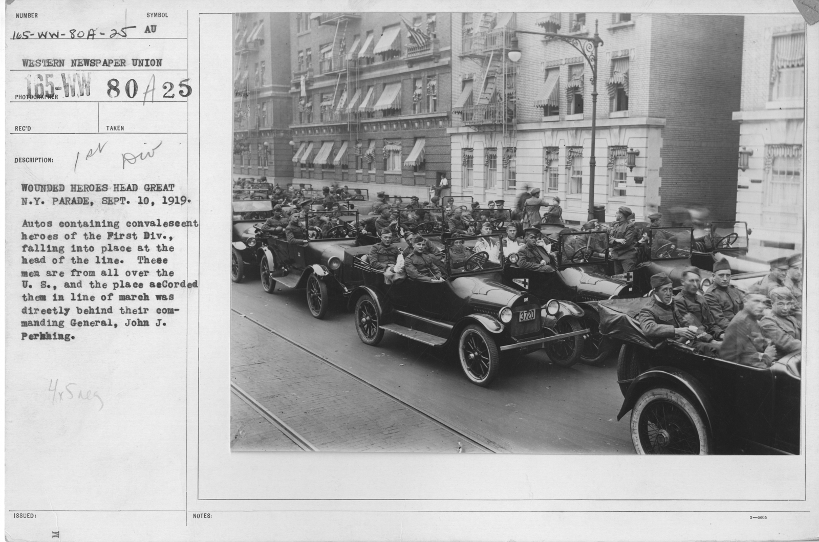 Ceremonies - Demobilization - Wounded heroes head Great N.Y. Parade, Sept. 10, 1919. Autos containing convalescent heroes of the First Div., falling into place at the head of the line. These men are from all over the U.S., and the place accorded them in line of march was directly behind their Commanding General, John J. Pershing