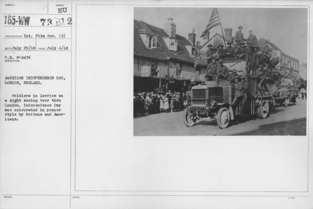 Ceremonies - England, Italy - American Independence Day, London England. Soldiers in lorries on a sight seeing tour through London. Independence Day was celebrated in proper sytle by Britons and Americans