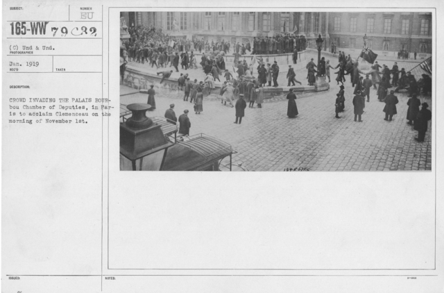 Ceremonies - France - Crowd invading the Palais Bourbou Chamber of Deputies, in Paris to acclaim Clemenceau on the morning of November 1st