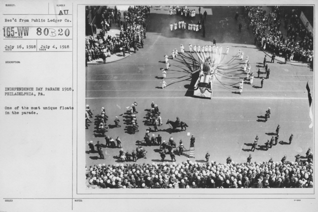 Ceremonies - Independence Day Parades (All States) - Independence Day Parade 1918, Philadelphia. One of the most unique floats in the parade