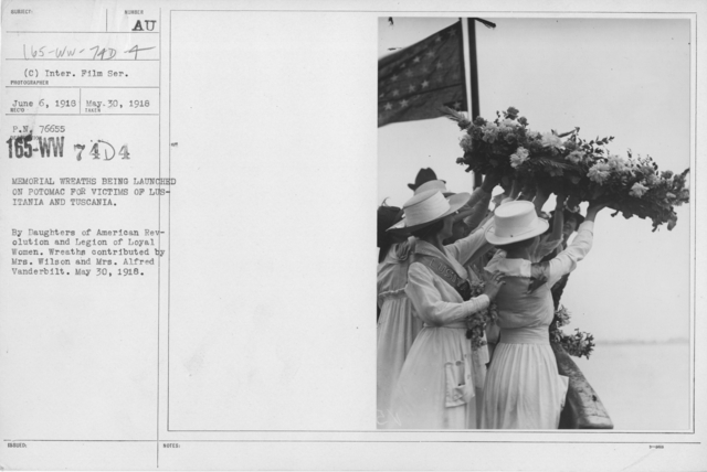 Ceremonies - Liberations - Memorial Day, 1918 - Memorial wreaths being launched on Potomac for victims of Lusitania and Tuscania. By daughters of American Revolution and Legion of Loyal Women. Wreaths contributed by Mrs. Wilson and Mrs. Alfred Vanderbilt. May 30, 1918