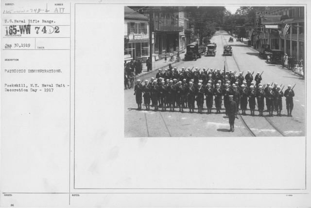 Ceremonies - Liberations - Memorial Day, 1918 - Patriotic demonstrations. Peekskill, N.Y. Naval Unit - Decoration Day - 1917
