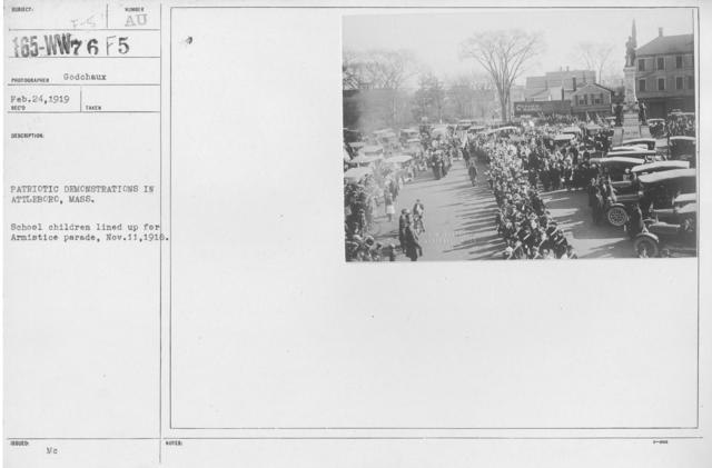 Ceremonies - Massachusetts - Patriotic Demonstrations in Attleboro, Mass. School children lined up for Armistice parade, Nov. 11, 1918