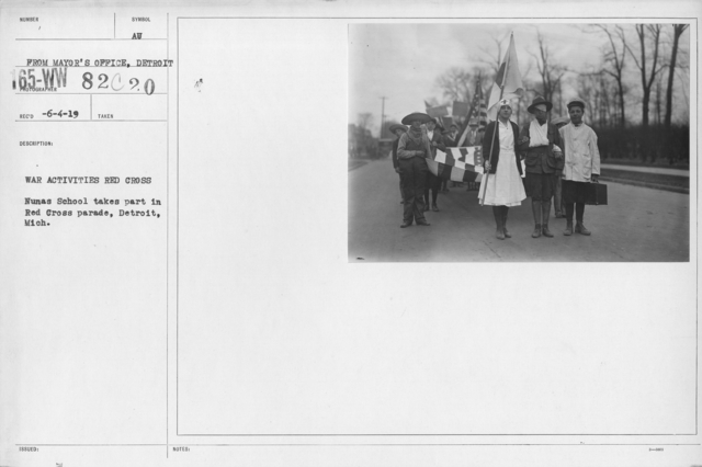 Ceremonies - Michigan thru New Jersey - War activities Red Cross. Nunas School takes part in Red Cross parade, Detroit, Mich