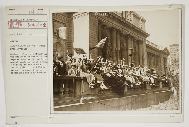 Ceremonies - Salutes and Parades - New York - Great parade of the heroic 27th Division