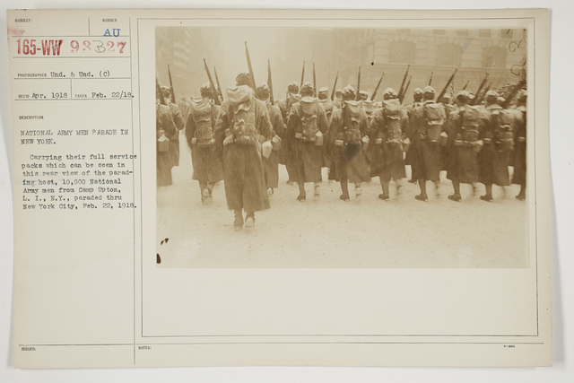 Ceremonies - Salutes and Parades - New York - National Army men parade in New York