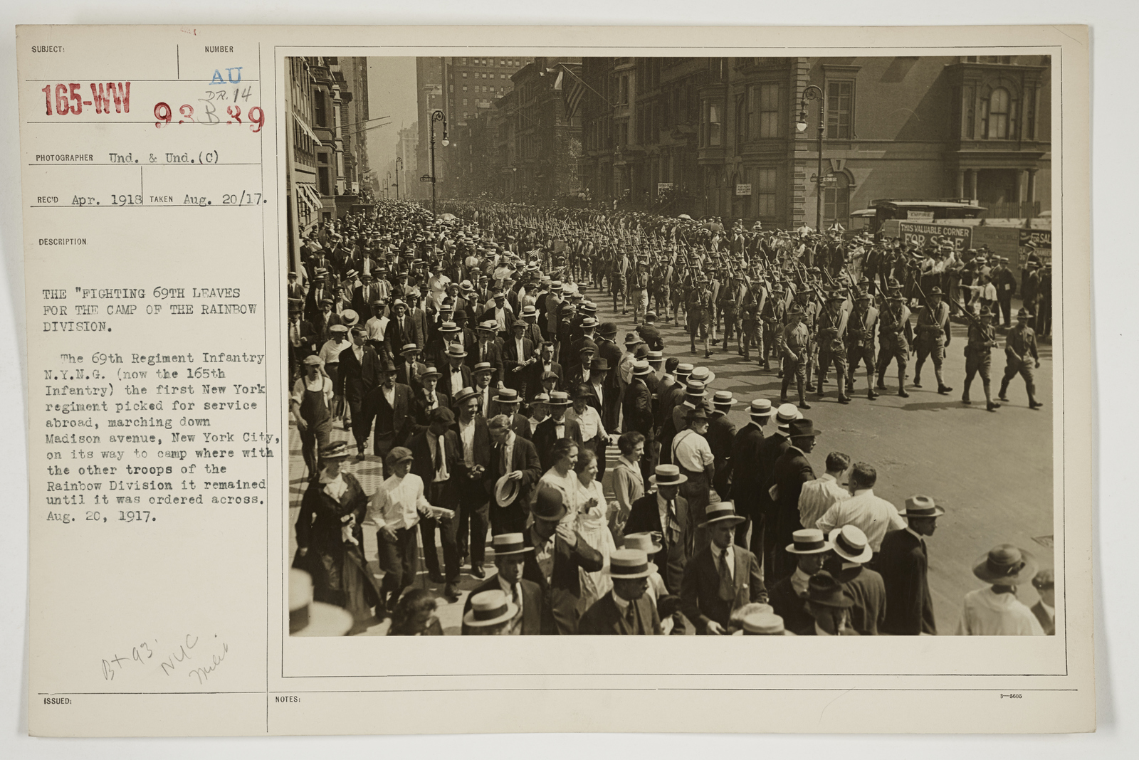 """Ceremonies - Salutes and Parades - New York - The """"Fighting 69th"""" leaves for the Camp of the Rainbow Division"""