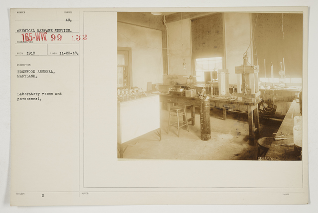 Chemical Warfare Service - Plants - Edgewood Arsenal - Edgewood Arsenal, Maryland.  Laboratory rooms and personnel