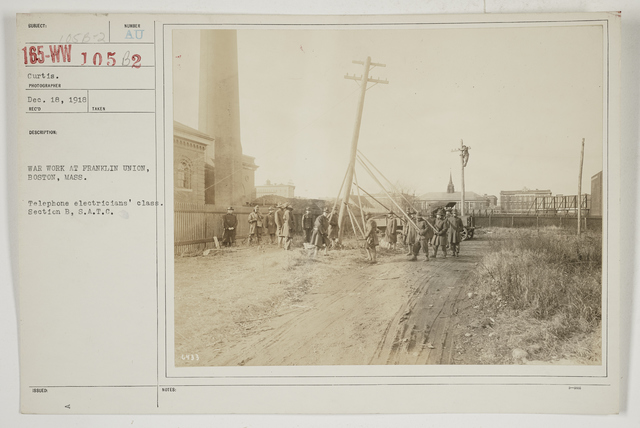 Colleges and Universities - Franklin Union - War work at Franklin Union, Boston, Massachusetts.  Teleph1 electricians' class.  Section B, S.A.T.C