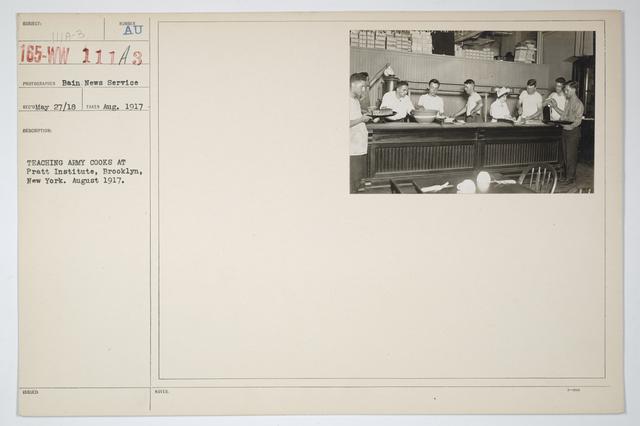 Colleges and Universities - Pratt Institute - Teaching Army cooks at Pratt Institute,  Brooklyn, New York.  August 1917
