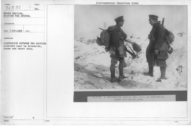 Discussion between two British soldiers near La Boisselle, Somme and Ancre Area