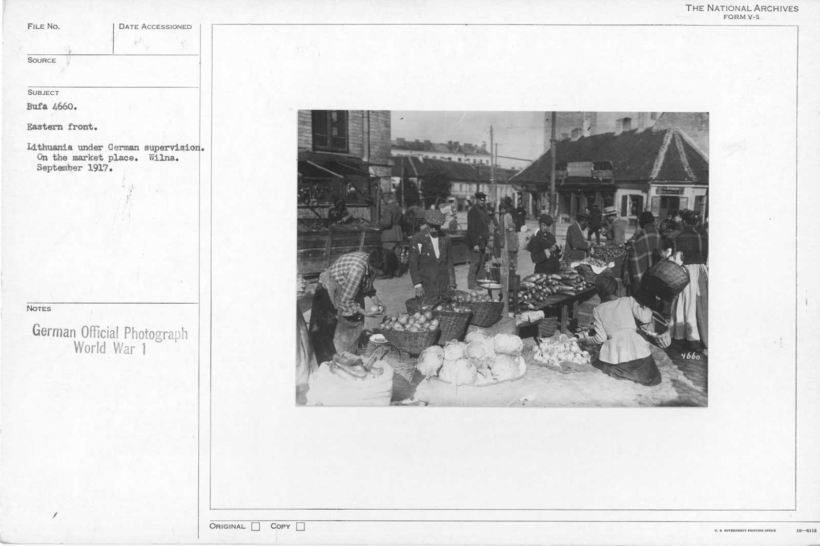 Eastern front. Lithuania under German supervision. On the Market place. Wilna. Spetember 1917