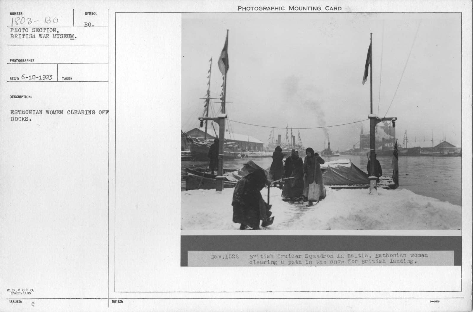 Esthonian women clearing off the docks