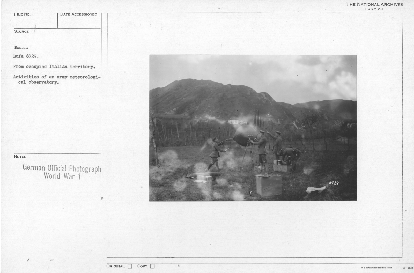 From occupied Italian territory. Activities of an army meteorological observatory