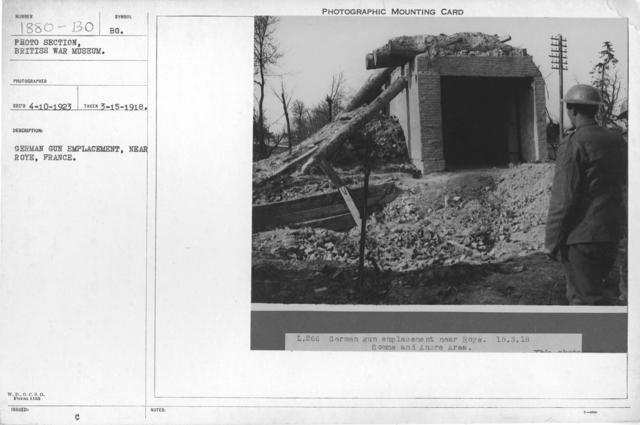 German gun emplacement, near Roye, France