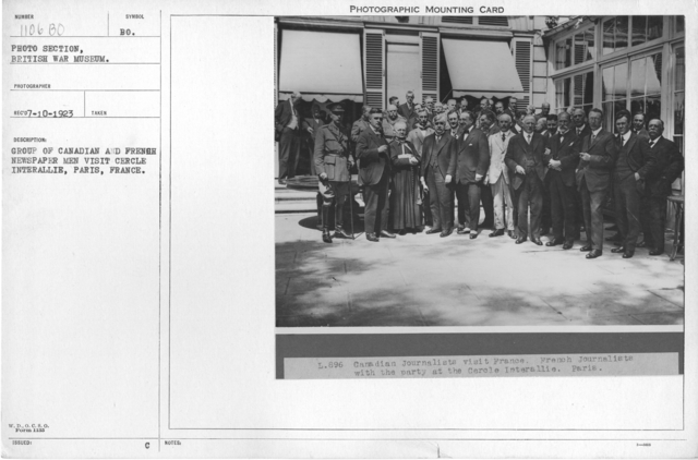 Group of Canadian and French newspaper men visit Cercle Interallie, Paris, France