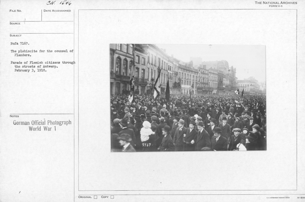 The plebiscite for the counsel of Flanders. Parade of Flemish citizens through the streets of Antwerp. February 3, 1918