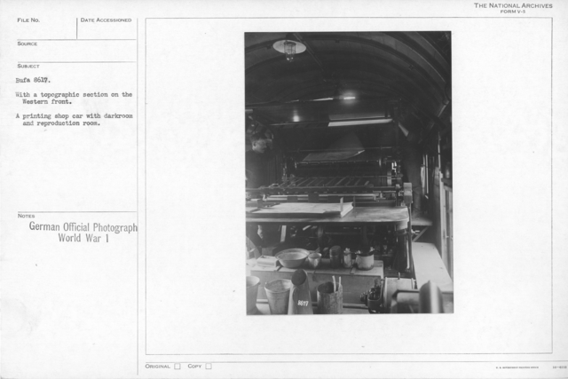 With a topographic section on the Western front. A printing shop car with darkroom and reproduction room